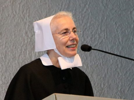 Schwester Renate